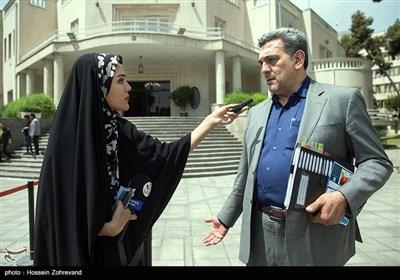 پیروز حناچی شهردار تهران در حاشیه جلسه هیئت دولت