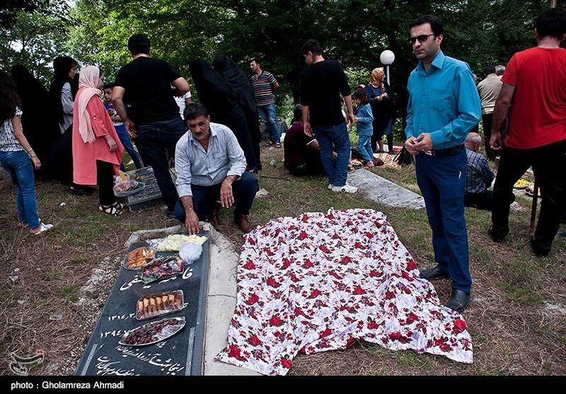 مردم مازندران روز 26 عید ماه طبری را که برابر 28 تیرماه است، روز مردگان می دانند و هر سال در این روز،در مناطق روستایی استان مراسم ویژه ای بر پا میشود.