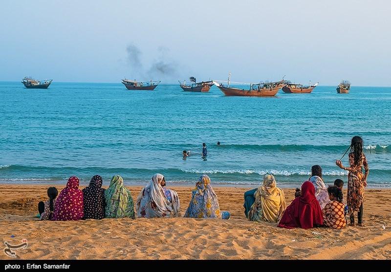 هر سال در آخرین روز های تیرماه مراسمی در روستای سلخ در جزیره قشم برگزار می شود به نام نوروز صیاد.