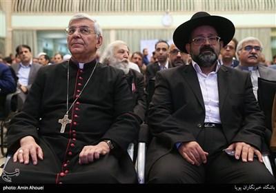 حضور نمایندگان ادیان و مذاهب مختلف در همایش تحریم در تقابل با صلح جهانی از نگاه ادیان