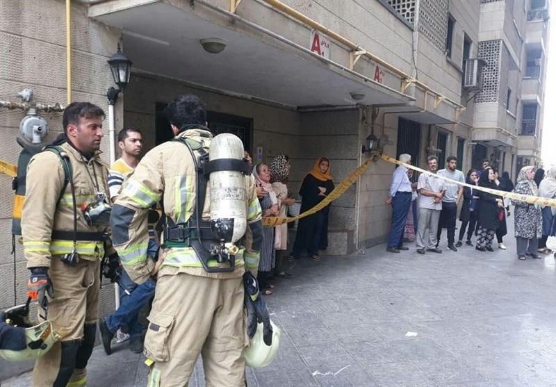 تهران  آتشسوزی در ساختمان 10 طبقه و نجات 30 نفر + تصاویر