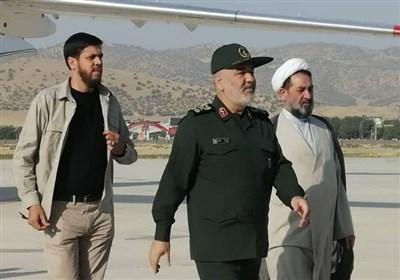 سردار سرلشکر سلامی برای بازدید از روند بازسازی مناطق سیلزده وارد استان لرستان شد