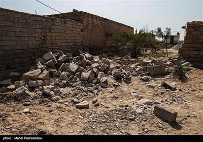 با توجه به آبگرفتگی زیاد و پایین بودن سطح روستا، روستای حمدان تنها روستایی است که همه منازل آن تخریبی بوده و باید همه منازل این روستا مجدداً احداث شوند.