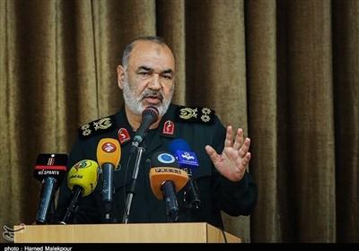 سردار سلامی: قادریم تمام پایگاههای آمریکا را اشغال کنیم/ پیشبینی بدبینانه ترین سناریوی جنگ
