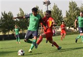 لیگ برتر فوتبال  تساوی یک نیمهای فولاد و صنعت نفت