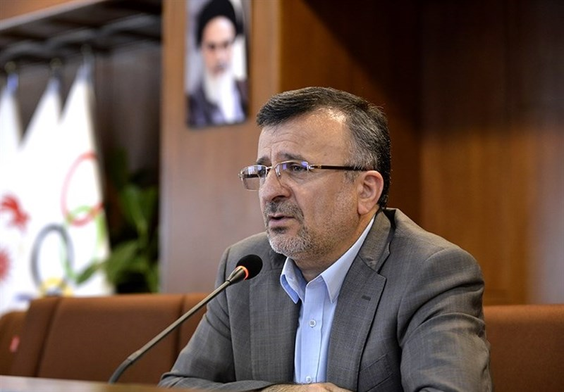 داورزنی: هفته آینده درباره رئیس فدراسیون دوتابعیتی تصمیمگیری میکنیم/ بحث پشتیبانی سیاسی از کسی وجود ندارد