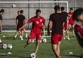 کرمان| بازیکن تیم تراکتورسازی: مسئولان باید برای ادامه مسابقات فوتبال تصمیم اساسی بگیرند
