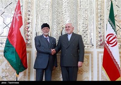 محمدجواد ظریف و یوسف بن علوی وزرای امور خارجه جمهوری اسلامی ایران و سلطنت عمان