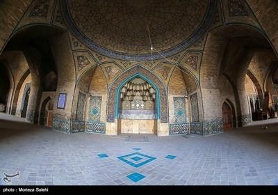 ایران کے شہر اصفہان کی تاریخی مسجد کی تصویری جھلکیاں