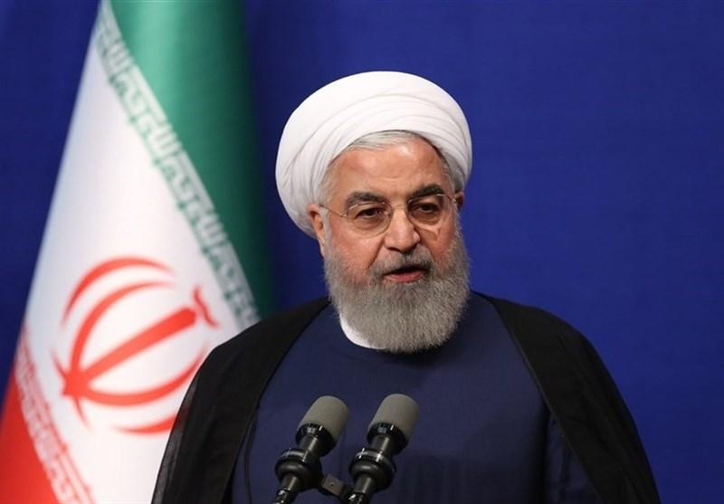 روحانی: خبرنگاران اگر نقصی در کار ما میبینند، بدون هیچ لکنت زبانی بیان کنند