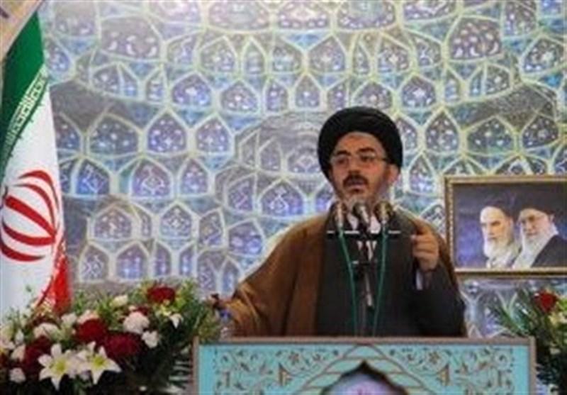 امامجمعه ارومیه: مسئولان وظیفه سنگینی در زمینه امر به معروف دارند