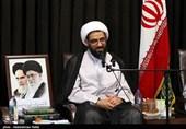 نماینده ولی فقیه در استان همدان از 2 پزشک تجلیل میکند