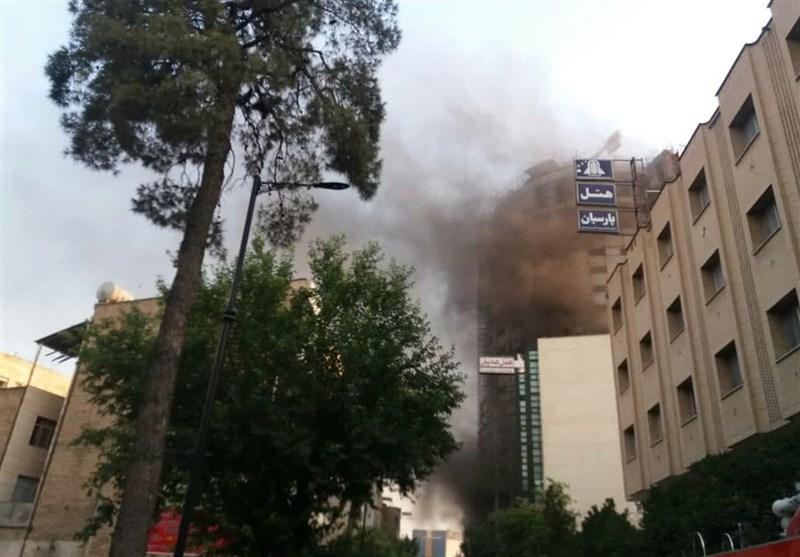 پایان عملیات «هتل آسمان» شیراز؛ حریق به طور کامل مهار شد