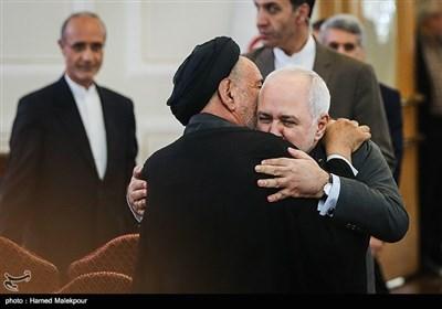محمدجواد ظریف وزیر امور خارجه و حجتالاسلام سیدمحمود دعایی مدیر مؤسسه اطلاعات