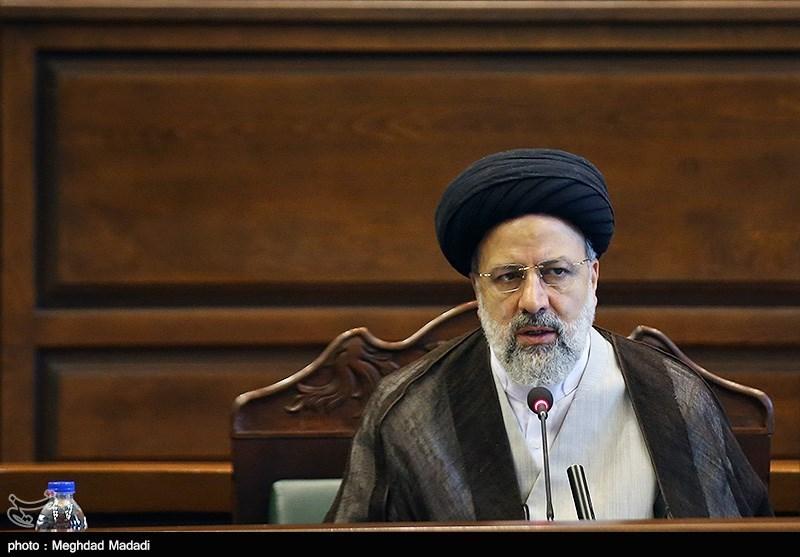 حمایت 500 استاد دانشگاه تهران از برنامههای آیتالله رئیسی برای مبارزه با مفاسد اقتصادی