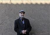 نقاشیهای اسماعیل خلج روی دیوار میرود