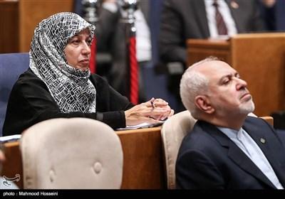 محمدجواد ظریف وزیر امور خارجه و همسرش مریم ایمانیه در همایش بزرگداشت روز حقوق بشر اسلامی و کرامت انسانی