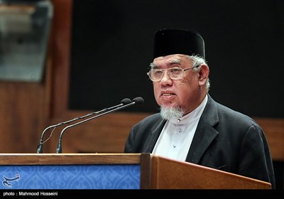 سخنرانی محمد عزمی عبدالحمید نماینده رئیس شورای مشورتی سمن های اسلامی مالزی در همایش بزرگداشت روز حقوق بشر اسلامی و کرامت انسانی