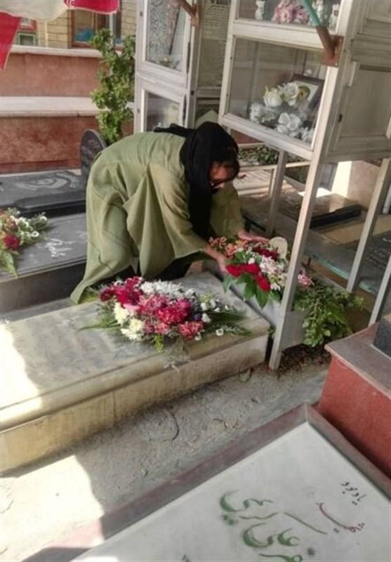 ادای احترام سفیر بولیوی در تهران به مقام شامخ شهدای جنگ تحمیلی