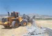 بناهای غیرمجاز در روستای قلات شیراز تخریب شد