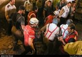 کشف جسد یکی از کارگران از زیر آوار