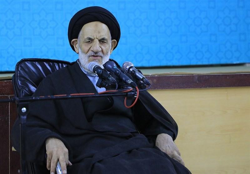 """ارتش جمهوری اسلامی ایران نگهبان """"جان، مال، ناموس و امنیت"""" مردم است"""