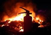 آتش سوزی سوله فوم در فردیس مهار شد + فیلم