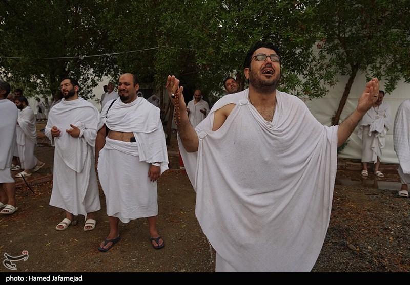 """""""بارش باران"""" حجاج را در سرزمین عرفات غافلگیر کرد + تصاویر"""