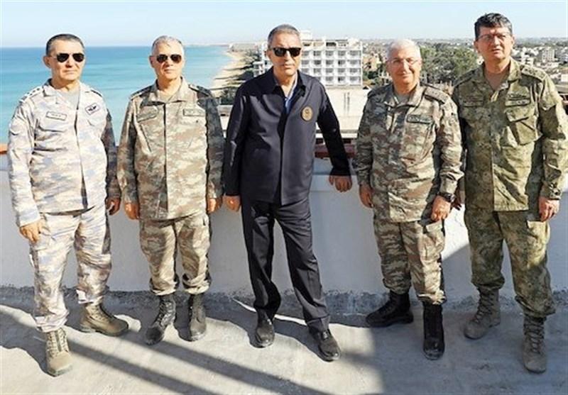 حضور وزیر دفاع و فرماندهان ارشد نیروهای مسلح ترکیه در مرز عراق