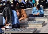 طنین دعای عرفه در گلزار شهدای کرمان به روایت تصویر