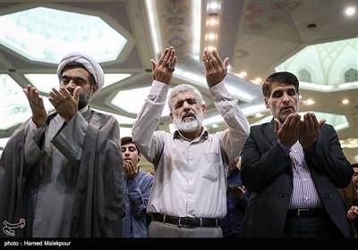 پدر شهید مصطفی احمدی روشن در نماز عید سعید قربان - مصلی تهران