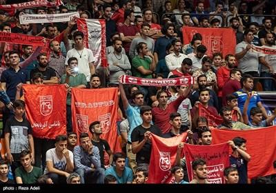 مراسم رونمایی ازنشان و پیراهن جدید تراکتور در سالن شهید پورشریفی تبریز