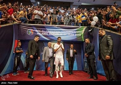 در این مراسم مسعود شجاعی، اشکان دژاگه، احسان حاج صفی و رضا اسدی پیراهن های تراکتور را پوشیدند.
