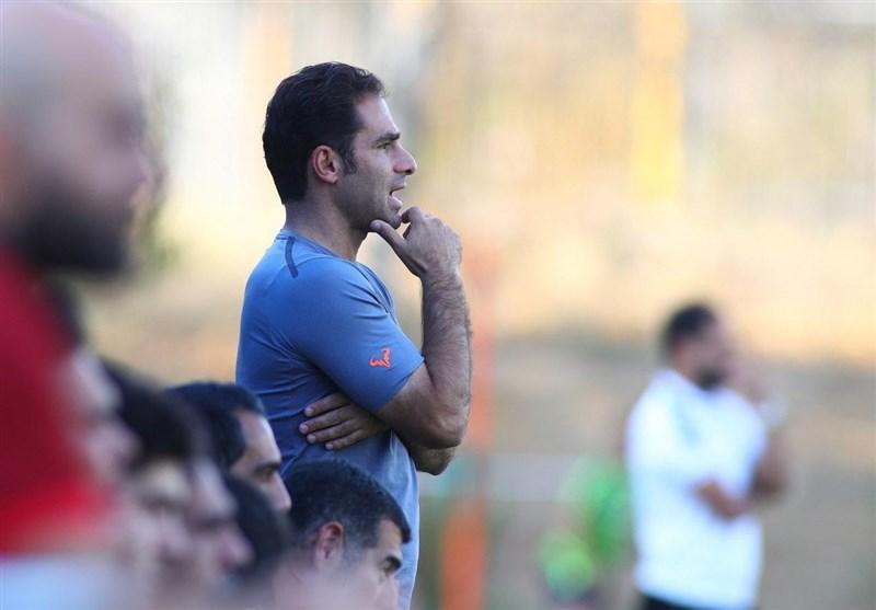 اصفهان| صادقی: میتوانستیم در نیمه اول هم پیروز باشیم/ داوری بازی مشکل آنچنانی نداشت