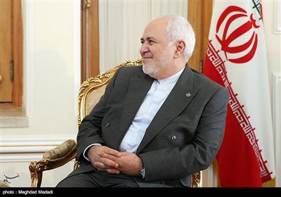 Zarif Meets Kuwait-Iran Friendship Group