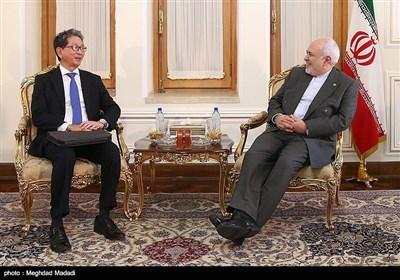 محمدجواد ظریف وزیر امور خارجه و تاکه ئو موری معاون ارشد وزارت خارجه ژاپن