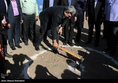 پیروز حناچی شهردار تهران در مراسم كلنگ زنی مجموعه چهارباغ