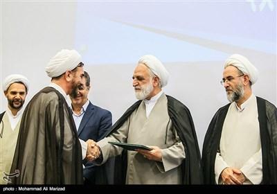 در این مراسم حجتالاسلام علی مظفری بهعنوان رئیسکل دادگستری استان قم معارفه و از خدمات حجتالاسلام خلیلی تقدیر به عمل آمد.