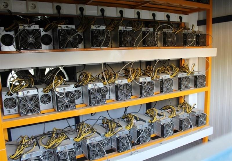 از گوشه و کنار کاشان| 725 دستگاه تولید ارز دیجیتال غیرمجاز کشف و ضبط شد