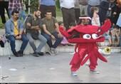 جشنواره تئاتر خیابانی «شهروند» در گیلان به روایت تصویر