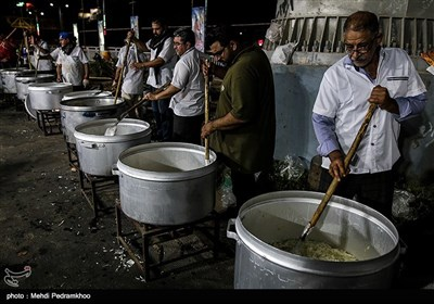 با فرا رسیدن عید غدیر ۲۵۰ هزار پرس غذا در قالب طرح علوی، در اهواز پخته شد