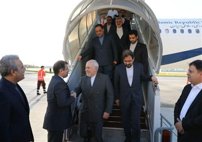 Iran's Foreign Minister in France for Talks