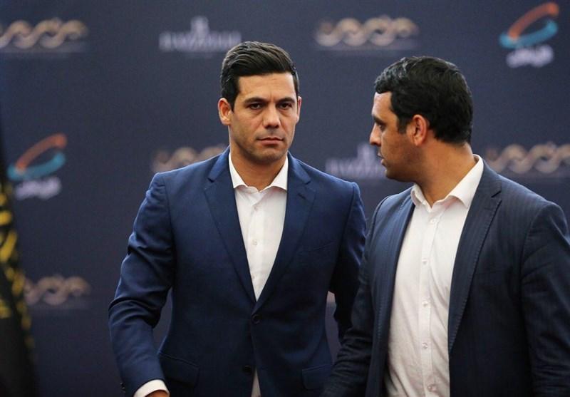 شکوری: صحبت کردن درباره قرارداد ویلموتس حرفهای نیست/ بعد از بازی با عراق شفافسازی میکنیم