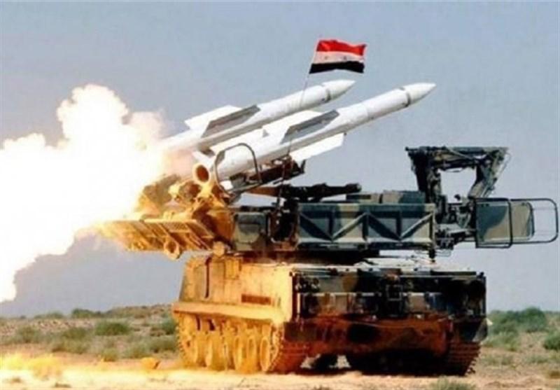 الدفاعات الجویة السوریة تتصدى لعدوان إسرائیلی بالصواریخ شرق حمص وتسقط عدداً منها