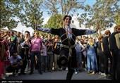 چهاردهمین جشنواره تئاتر خیابانی  تئاتر خیابانی مریوان هر سال از لحاظ کمی و کیفی ارتقاء مییابد