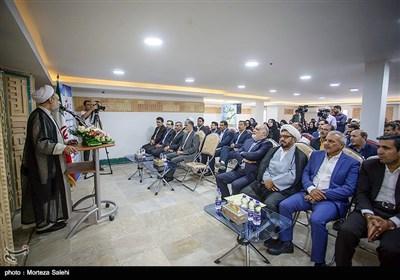با حضور وزیر فرهنگ و ارشاد اسلامی هفت کتابخانه عمومی در استان اصفهان به بهره برداری رسید.