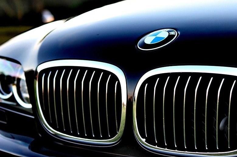 فراخوان خودروساز آلمانی برای 21700 خودرو در روسیه به علت نقص فنی