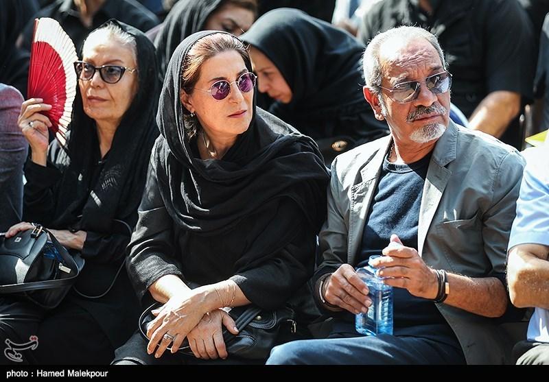 داریوش فرهنگ و فاطمه معتمدآریا در مراسم تشییع پیکر مرحوم داریوش اسدزاده