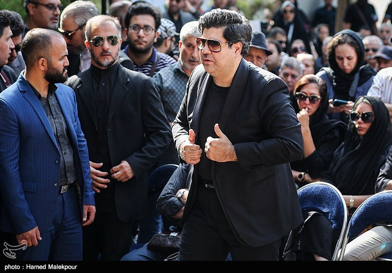 سالار عقیلی در مراسم تشییع پیکر مرحوم داریوش اسدزاده