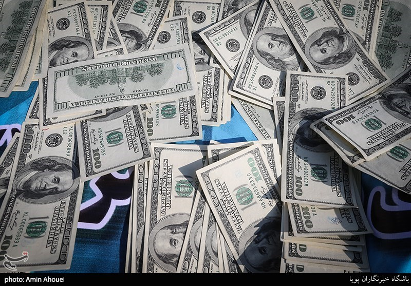 تهران| کشف 16500 دلار از زیر زین یک موتورسیکلت!